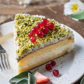 Торт Кокосовый остров кусочек 100 гр